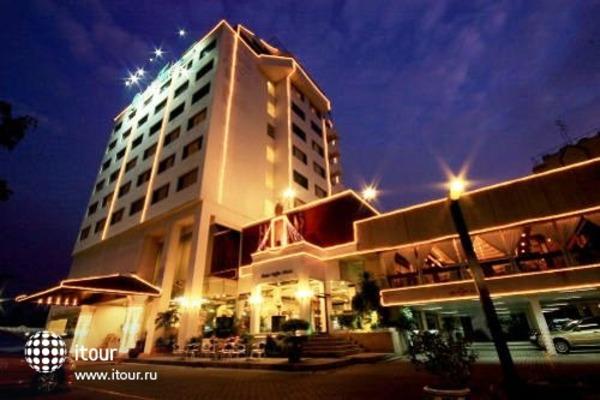 Louis' Tavern Hotel 5