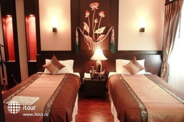 Mirth Sathorn Hotel 8