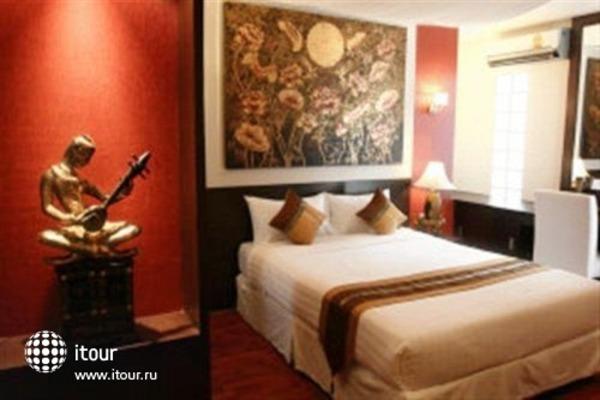 Mirth Sathorn Hotel 3