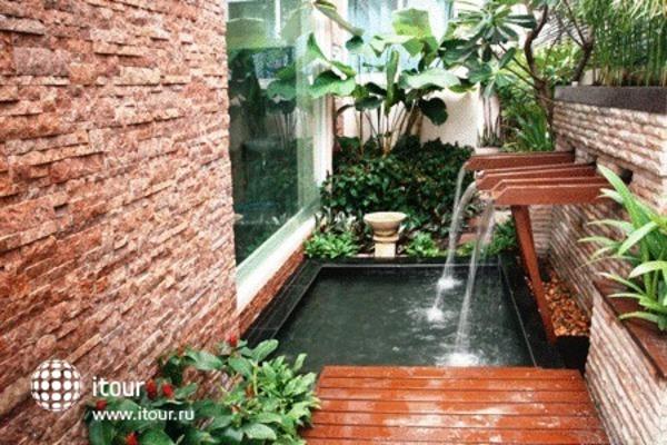 Mirth Sathorn Hotel 2