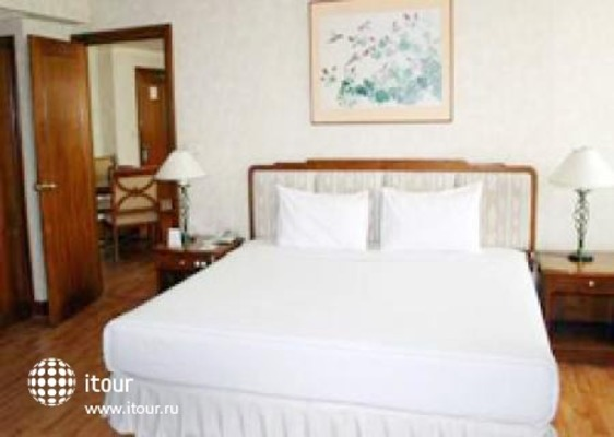 Rembrandt Towers Serviced Apartments 3