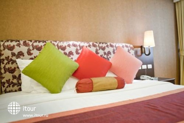 Rembrandt Towers Serviced Apartments 6