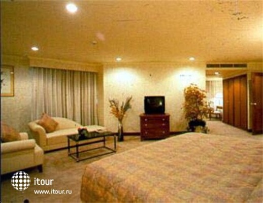 Rembrandt Towers Serviced Apartments 9