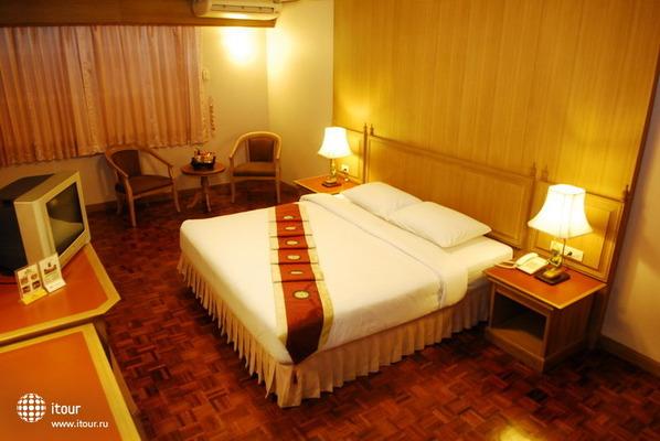 Silom Village Inn 2
