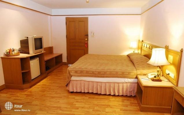Silom Village Inn 1