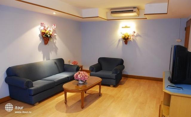 Silom Village Inn 6