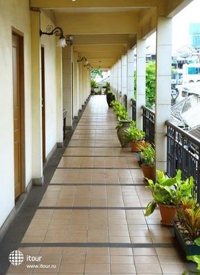Silom Village Inn 9