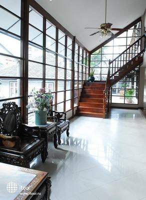 Silom Village Inn 10