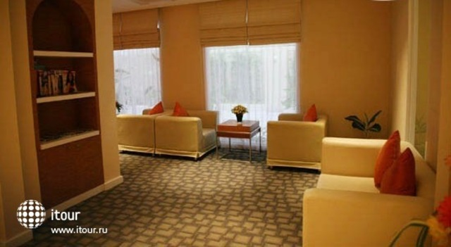 The Monmanee Travel & Lifestyle Hotel 4