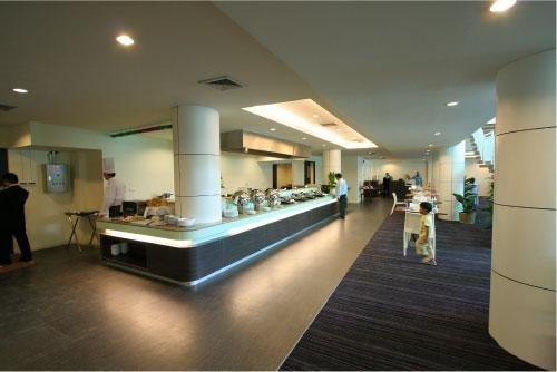 Miracle Suvarnabhumi Airport Hotel 10