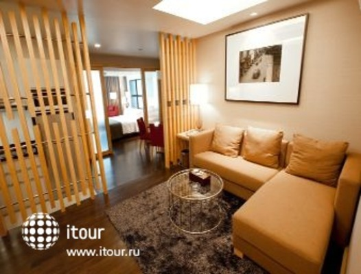 Ramada Hotel & Suites, Bangkok 4