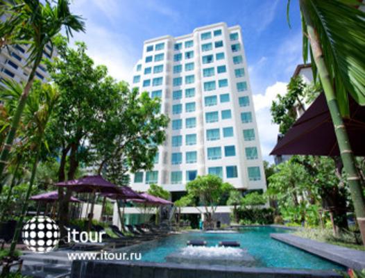 Ramada Hotel & Suites, Bangkok 2