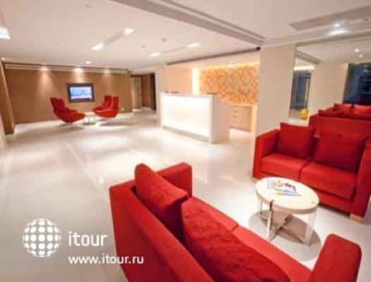 Ramada Hotel & Suites, Bangkok 10