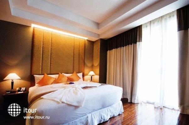 Column Bangkok 8