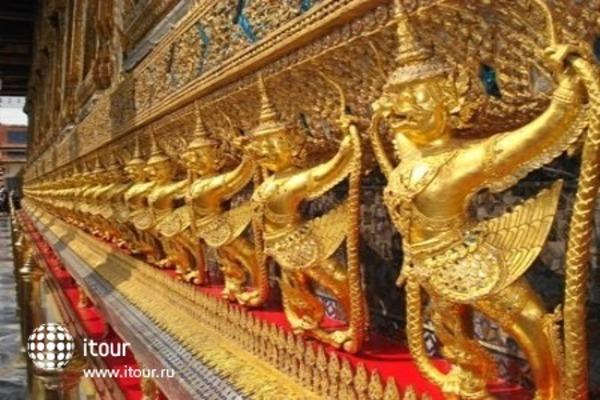 Radisson Suites Bangkok Sukhumvit 4