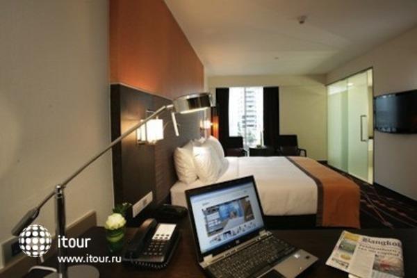 Radisson Suites Bangkok Sukhumvit 3