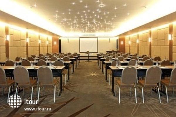 Radisson Suites Bangkok Sukhumvit 8