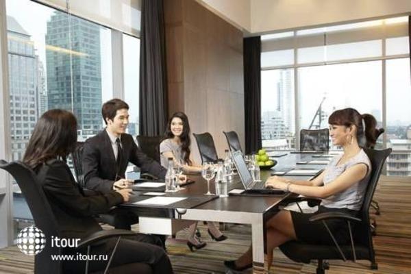 Novotel Bangkok Fenix Ploenchit 10