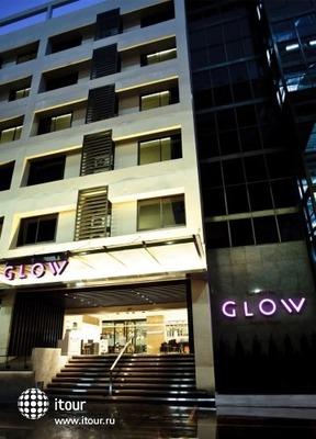 Glow Trinity Silom 9