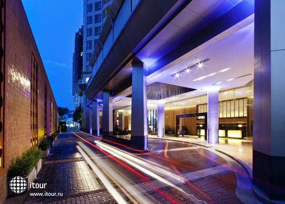 Anantara Bangkok Sathorn (ex. Radisson Hotel Bangkok Sathorn) 1