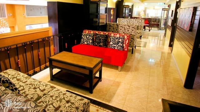 Sabai Sabai Sukhumvit Hotel 7