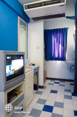 Sawasdee Banglumpoo Inn 9