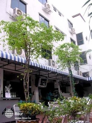 Sawasdee Banglumpoo Inn 2