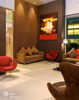 Sacha's Hotel Uno 5