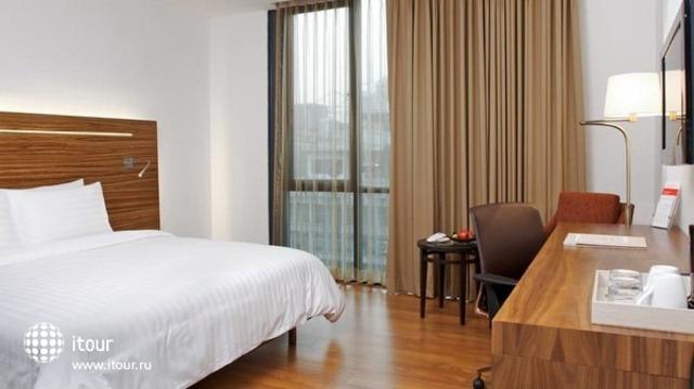 Sacha's Hotel Uno 6
