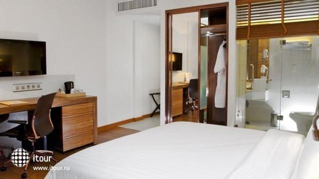 Sacha's Hotel Uno 3