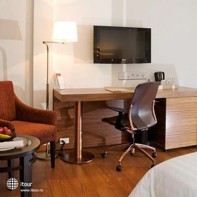 Sacha's Hotel Uno 8