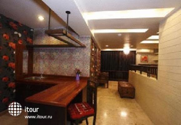 Sabai Sabai Sukhumvit Hotel 5