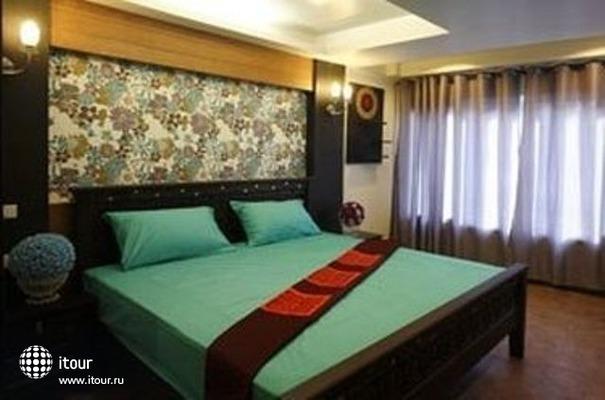 Sabai Sabai Sukhumvit Hotel 10