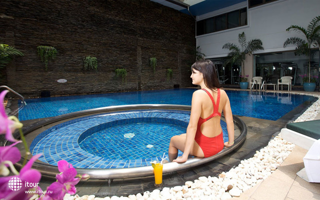 Kingston Suites Bangkok 1