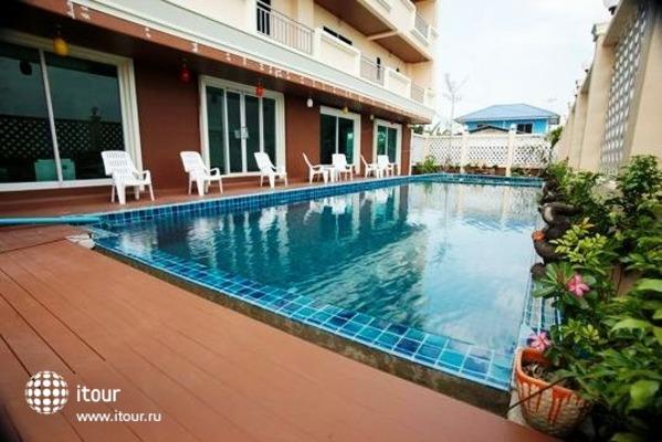 Convenient Grand Hotel 4