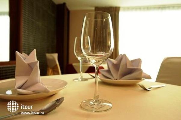 Convenient Grand Hotel 5