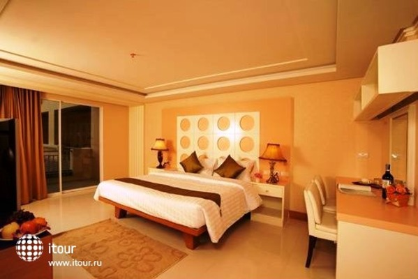 Convenient Grand Hotel 3