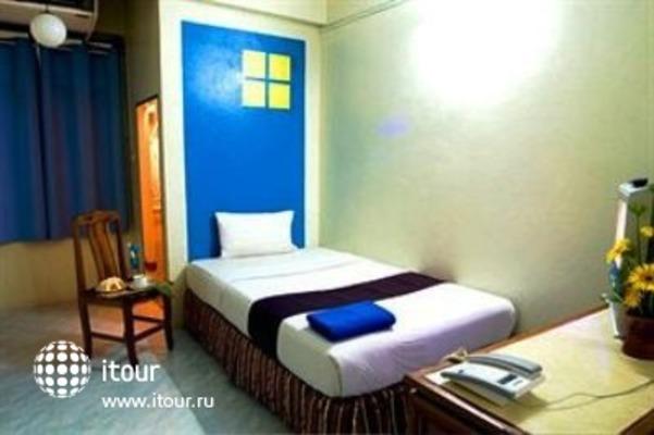 Sawasdee Khaosan Inn 10