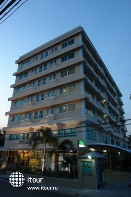 Malee Suites Serviced Apartment 2