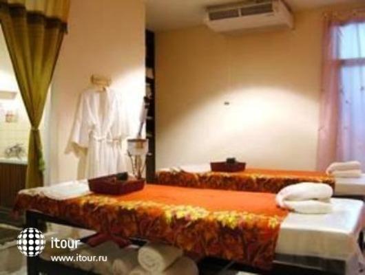 Royal Parkview Hotel 5