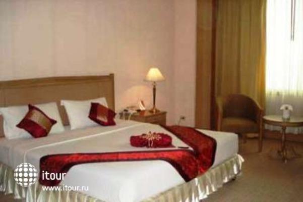 Royal Parkview Hotel 9