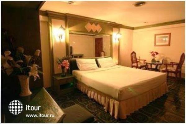 13 Coins Airport Hotel Minburi 6