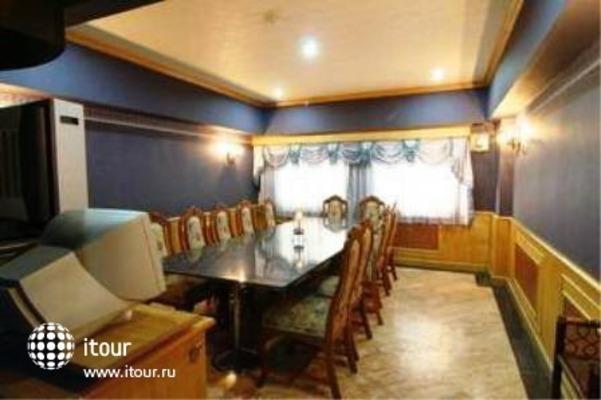 13 Coins Airport Hotel Minburi 8