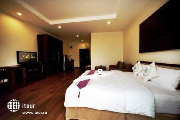Monaco Hotel 9