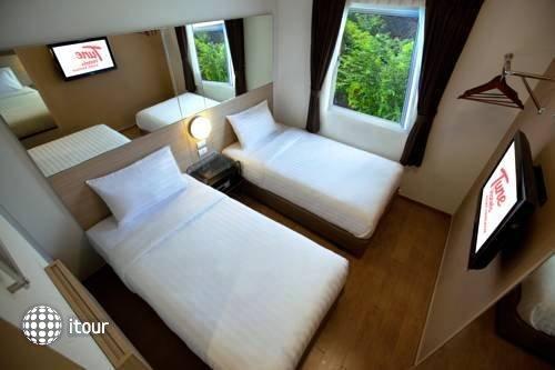 Tune Hotel Asoke Bangkok 5