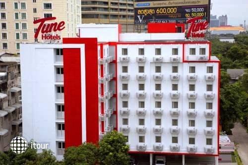 Tune Hotel Asoke Bangkok 1