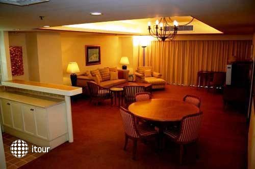 Pantip Court Serviced Residence 6
