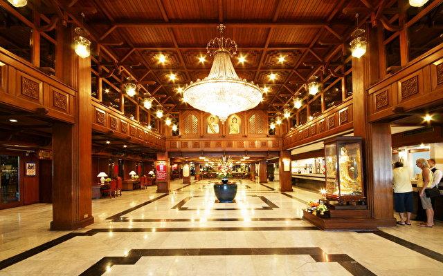 Bangkok Palace 4
