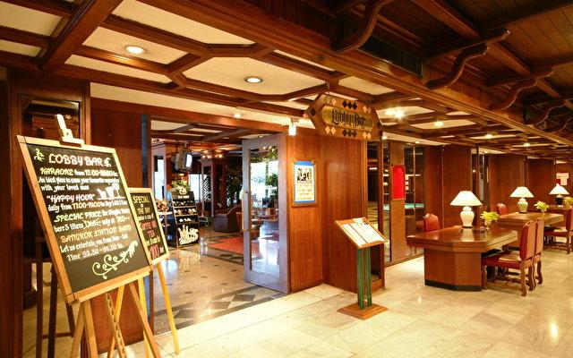 Bangkok Palace 8