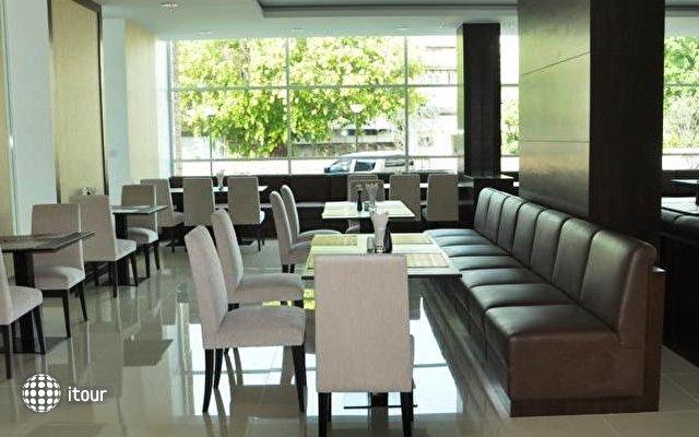 Demeter Residences Suites Bangkok 4
